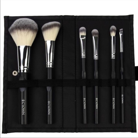 Crown Other - Crown Pro 6 Piece Brush Set